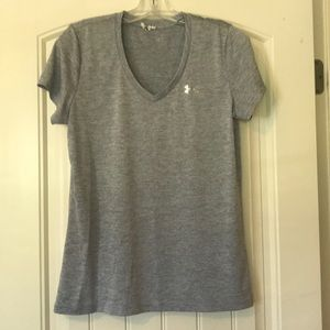 Under Armour Heat Gear Loose Fit V-Neck Medium